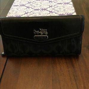 EUC COACH Black leather accordion wallet